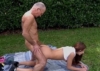 Peli porno gratis de abuelos con nietas de brunoymaria Abuelos Y Nietas Videos Xxx Top